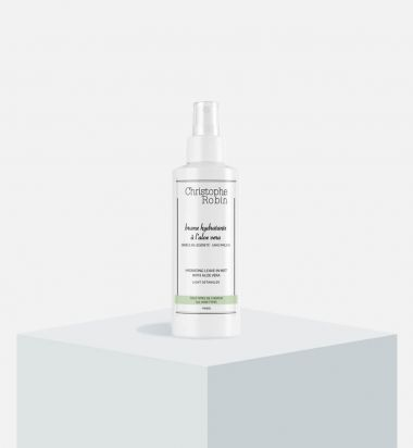 Hydrating leave-in mist with aloe vera
